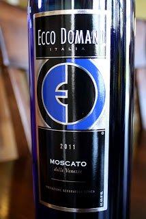 2011-Ecco-Domani-Moscato