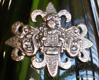 Segura-Viudas-Reserva-Heredad-Cava-Family-Crest