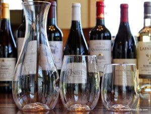 govino-decanter-and-wine-glasses