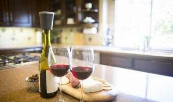 VESTIA – A New Wine Preserver That Keeps Wine Fresh Longer